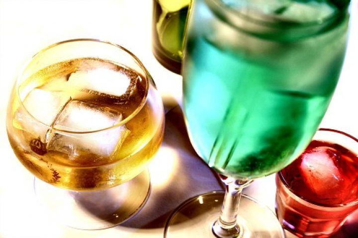 Τρία λικέρ για κάθε περίσταση: κράνα, μέντα, λεμόνι