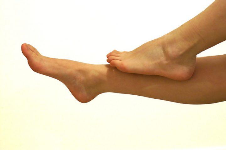 Περιποίηση ποδιών στο σπίτι με φυσικό τρόπο