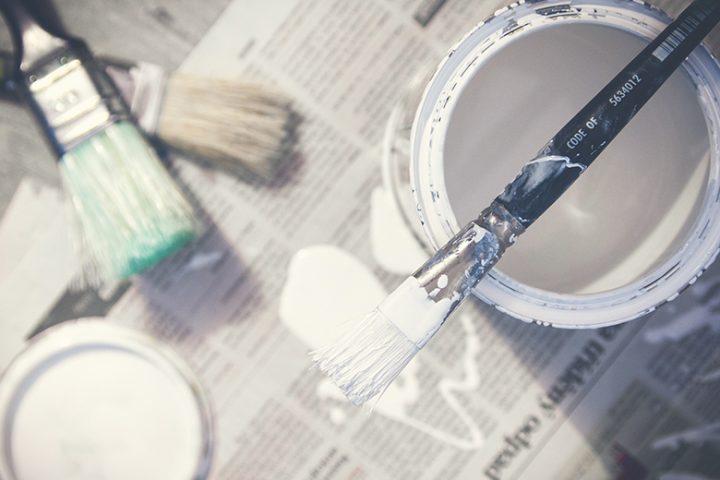 Επιχείρηση βάψιμο σπιτιού