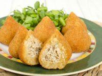 Κοτοκροκέτες Coxinhas για μουντιάλ με βραζιλιάνικες γεύσεις