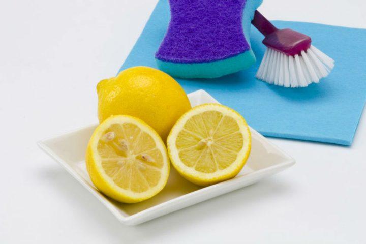 Εκμεταλλευτείτε τις καθαριστικές ιδιότητες του λεμονιού