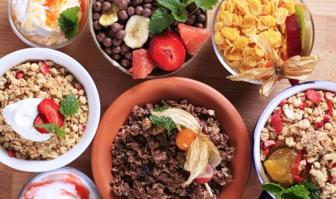 Επτά απίθανες τροφές και σνακ που σας κόβουν την πείνα