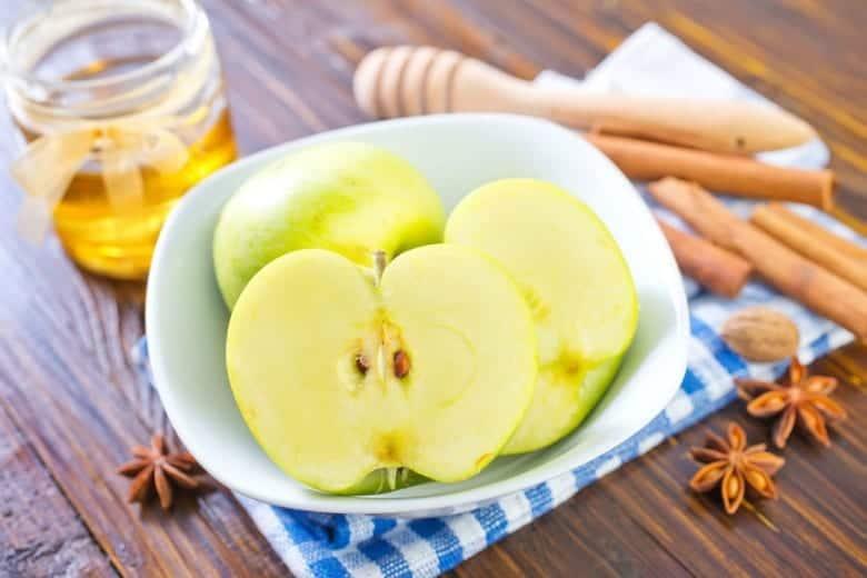 Μήλο με κανέλα και μέλι