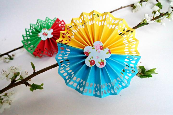 Πώς θα φτιάξουμε χάρτινα λουλούδια