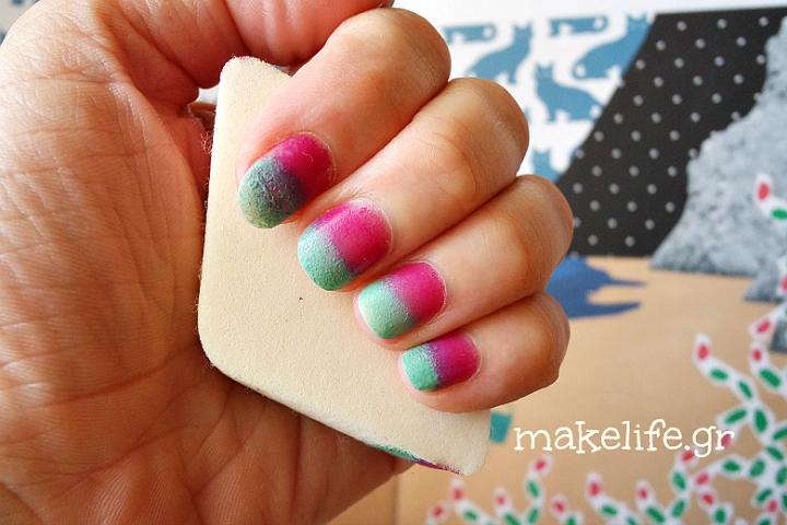 Πως να βάψεις τα νύχια μόνη σου με… σφουγγαράκι