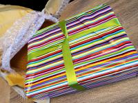 Ένα Craft Kit γεμάτο υλικά χειροτεχνίας