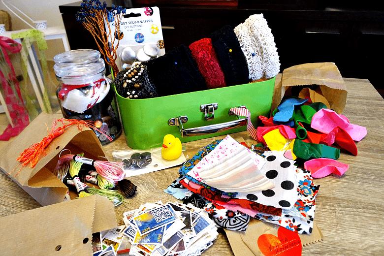 ένα craft kit γεμάτο καλούδια παρέλαβα από το in my closet