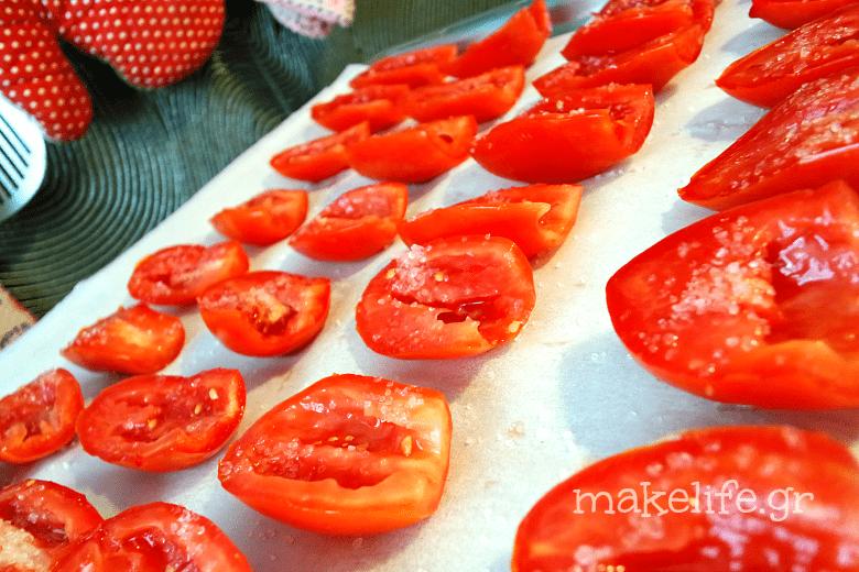 προετοιμασία για λιαστές ντομάτες