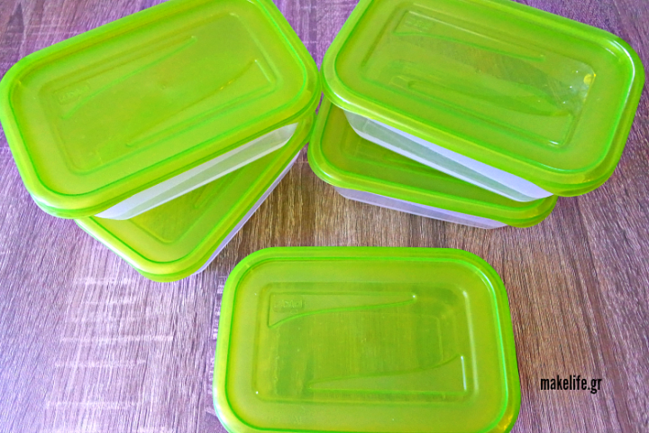 5 tips για να διώξω τη μυρωδιά στα πλαστικά τάπερ