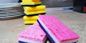 5 εναλλακτικές χρήσεις  για τα σφουγγάρια κουζίνας