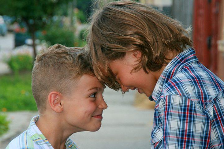 Ισορροπίες ανάμεσα στα αδέρφια Μέρος Α': 2 μαμάδες αγοριών μιλούν