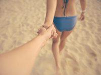 Τα 9 είδη ζευγαριών που συναντάμε στην παραλία τα καλοκαίρια