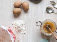 Να με τι αντικαθιστώ τα αυγά σε μια γλυκιά συνταγή