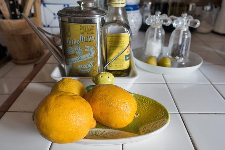 Ένα εύκολο τρικ για να βγάλουμε περισσότερο χυμό από το λεμόνι
