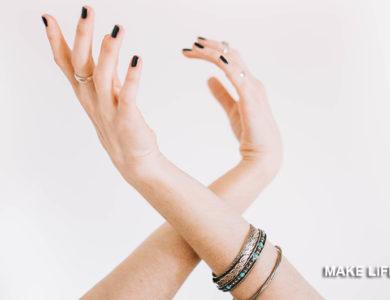Σκασμένα χέρια από το κρύο; Η φυσική λύση που χρειάζονται