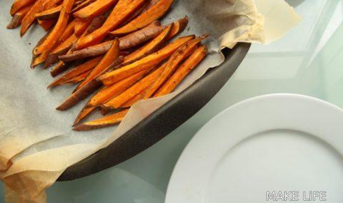 Γλυκοπατάτες στο φούρνο σε λαδόκολλα που γίνονται σαν τηγανητές
